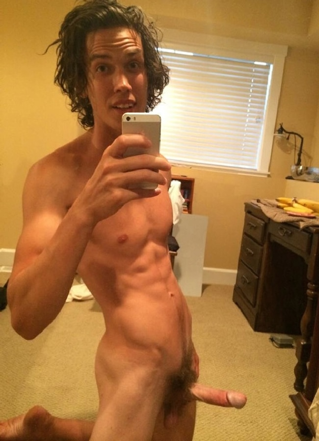 Sexy Muscular Boy With Hard Penis - Nude Twink Blog